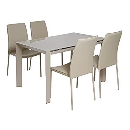 Gedeckter Tisch mit 4 Stuhlen