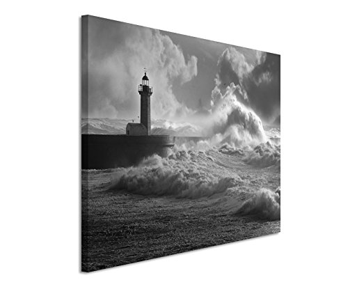 50x70cm Leinwandbild schwarz weiß in Topqualität Leuchtturm im Sturm Portugal