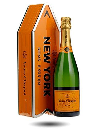 veuve-clicquot-arrow-tin-including-75cl-bottle-random-city-name-will-be-sent