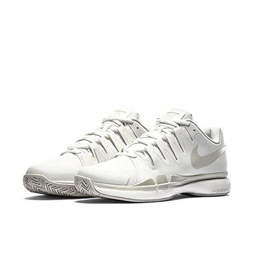 Nike Women's Zoom Vapor 9.5 Tour Tennis Shoe (U.S. Open 2016 colors) (9, White/Metallic Silver) (Vapor Tour 9 compare prices)