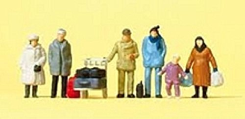 Preiser 4041032140384 Travellers In Winter Clothing Ho Scale Model