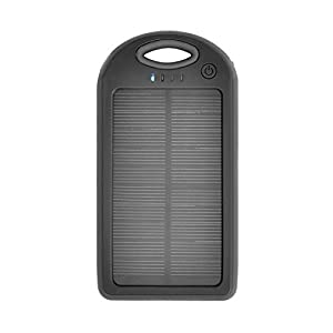 iProtect 5000mAh Solar Charger Power Bank Externer Akku Pack und Ladegerät in schwarz für Smartphones, Tablets und andere USB-Geräte inkl. Micro USB Kabel + Karabiner by iProtect