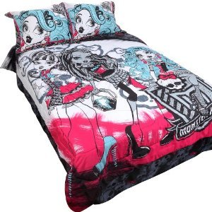 monster high twin comforter and sheet set and bonus skull pillow bed in a bag. Black Bedroom Furniture Sets. Home Design Ideas