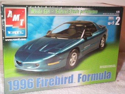 AMT 1996 Pontiac Firebird Formula Plastic Model Car Kit (Pontiac Formula compare prices)