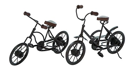 Deco 79 Set of 2 Assorted Metal Racing Cycles