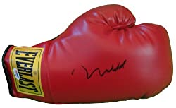 Muhammad Ali Autographed Everlast Boxing Glove with PSA/DNA Certified Authenticated