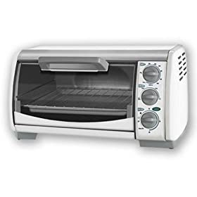 New Applica 4 Slice Toaster Oven Black & Decker Toast-R-Oven Classic Countertop With White Finish