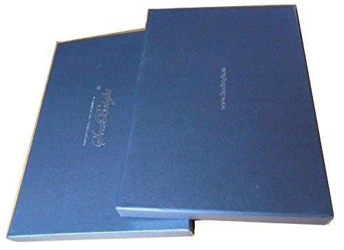 edle-papierschachtel-als-geschenkverpackung-fur-die-tolle-schals-und-tucher-von-seabright