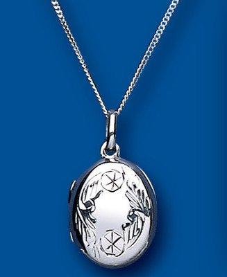 Beautiful Sterling Silver Engraved Pattern Oval Locket 25 x 14mm.