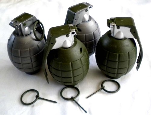 Lot of 4 Kids Toy B/o Grenades for Pretend Play - 1