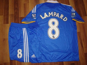 08-09 CHELSEA HOME JERSEY LAMPARD + FREE SHORT (SIZE XL)
