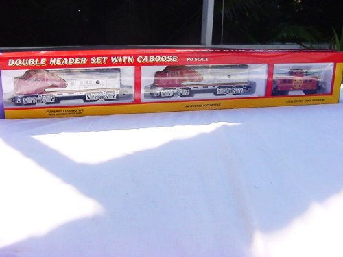 LIFE LIKE TRAINS, DOUBLE HEADER SET WITH CABOOSE, HO SCALE, AT&SF, F7 LOCOMOTIVE W/DUMMY AND CABOOSE