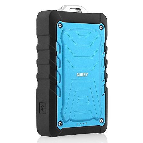 Aukey 7500mAh大容量モバイルバッテリー スマホ充電器 防水/防塵/耐衝撃 アウトドア向け Apple iPad Air/Mini/iPhone 6 Plus/iPhone 6/iPhone 5S/5C/5/4S、Samsung Galaxy S5/S4/S3/Note 3/Note2、Google Nexus 4/5/7/10、One plus、Motorola Moto G X、 HTC One M8、LG G2/G3、Nokia Lumia 1520等softbank/docomo/auスマートフォンタブレットを充電可能(ブルー)PB-P1