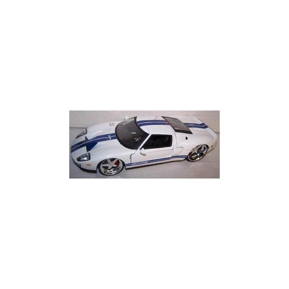 Jada Toys 1/24 Scale Dub City 2005 Ford Gt in Color White