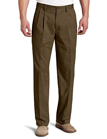 Dockers Men's Easy Khaki D3 Classic Fit Pleated Pant, Rifle Green, 30x32