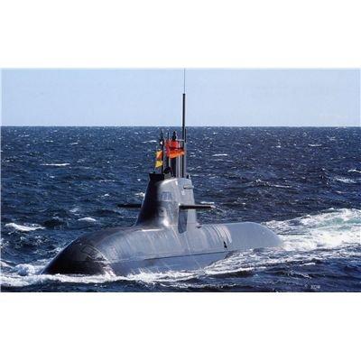 Revell 05019 Plastic Model Kit 1:144 German Submarine class 212 A