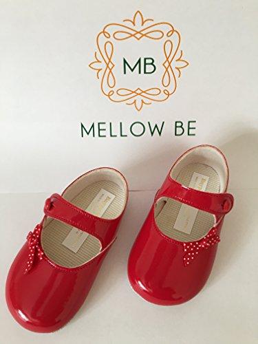 BP613-Scarpe di vernice, colore: rosso con motivo a pois con fiocco e chiusura a bottone, taglia 12-18 mesi