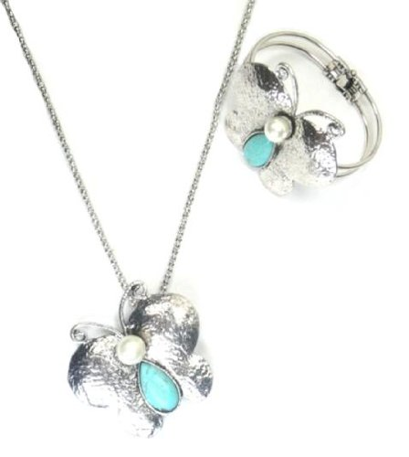 Butterfly Necklace And Bracelet Set With Drop Style Turquoise And Pearl Encrusted