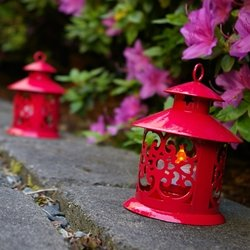 Round Metal Hurricane Lantern For Tea Lights, 5 Inches Tall, Red