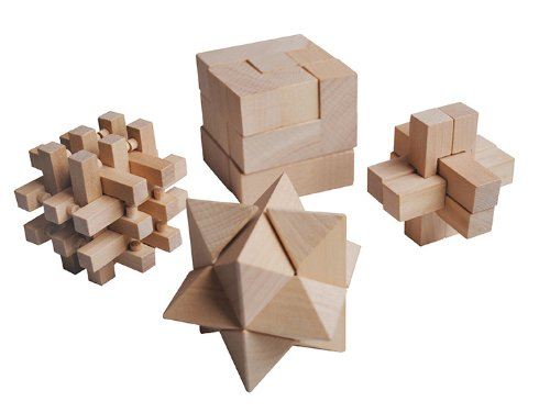 New York Gift Wooden Mind Games (Set of 4)