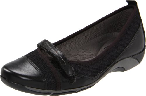 Naturalizer Women's Yesenia Flat,Black,9 W US