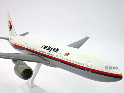 boeing-777-200-malaysian-airlines-50th-anniversary-1-200-scale-model