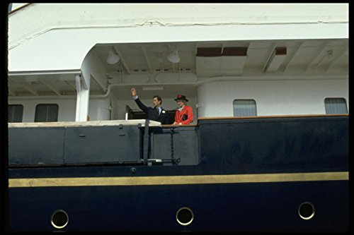 536002-prince-charles-and-princess-diana-on-royal-yacht-canada-a4-photo-poster-print-10x8