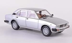 Alfa Romeo Alfetta 2000, argento , 1980, modello di automobile, modello prefabbricato, Neo 1:43 Modello esclusivamente Da Collezione
