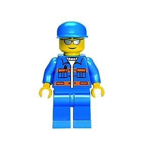 レゴの町のレッカー車#7638についてくるミニフィグの写真