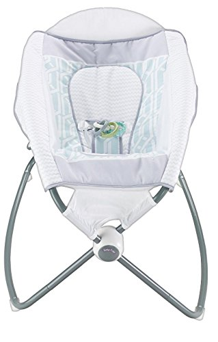 Fisher-Price Deluxe Auto Rock N Play Sleeper - Soothe, Nap & Play in One Inclined Sleeper with Hands-free Rocking Motion