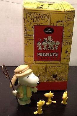 com > Hallmark Peanuts Gallery Nativity Shepherd and His Flock Snoopy