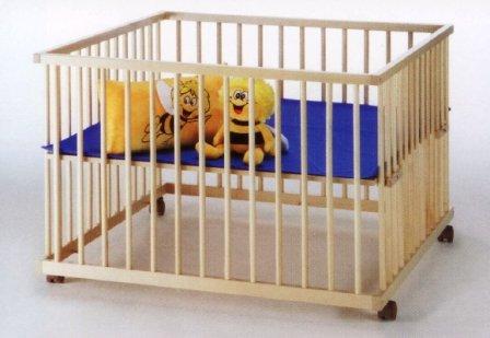 TAUBE Laufgitter Kinderlaufstall 100×140 cm buche (Ausführung: ohne stufenlose Höhenverstellung, Ausstattung: Mit 4 Bettrollen und Bodenpolster)