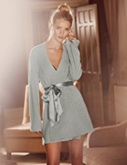 Rosie for Autograph Luxurious Pure Cashmere Short Wrap