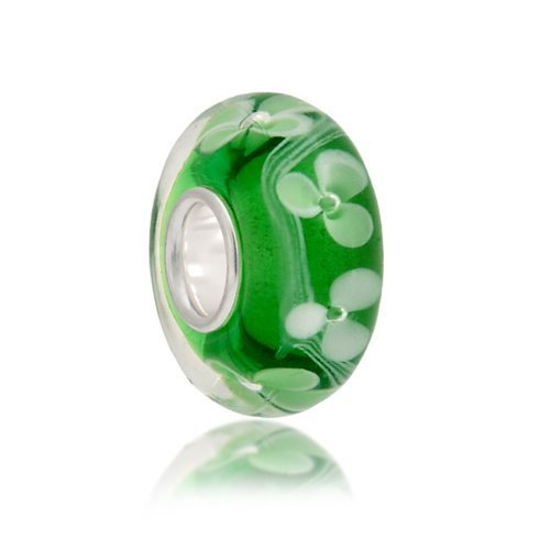 Green clovers are good luck and this clover glass bead can be your lucky charm too.  Made from exquisite Murano glass, beads like this Murano glass flower bead are a fantastic value for your money.  W