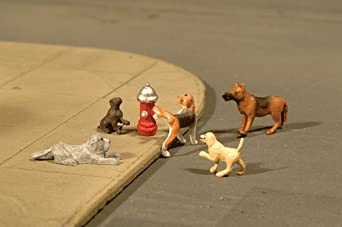 Bachmann Trains Dogs with Fire Hydrant