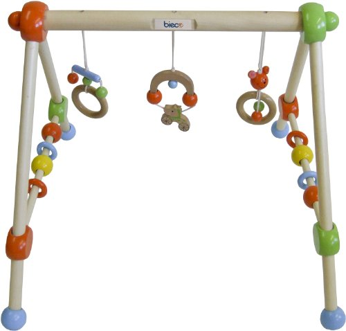 babyspielzeug aus holz die 5 sch nsten holzspielzeuge. Black Bedroom Furniture Sets. Home Design Ideas