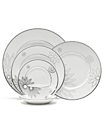 Martha Stewart for Wedgewood Modern Daisy 10.75&quot; Dinner Plate