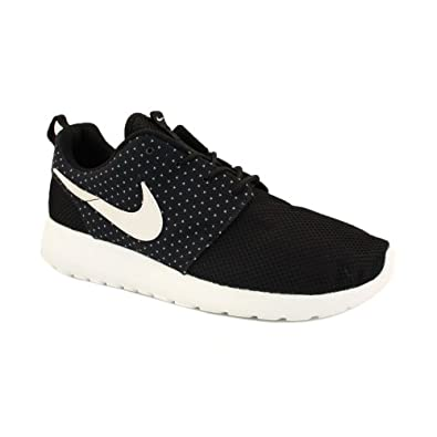nike roshe run trainers black