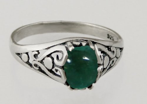 A Beautiful Sterling Silver Filigree Ring Featuring a Genuine Fluorite Gemstone