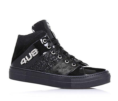 4us-cesare-paciotti-zapatilla-negra-de-cordones-de-charol-y-glittercon-el-logo-de-metal-en-la-lengue