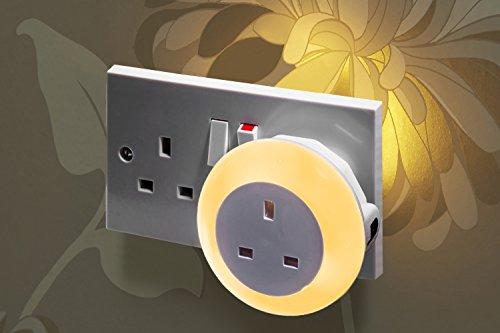 auraglow-automatic-plug-in-multi-colour-plug-through-led-nursery-night-light-with-dusk-till-dawn-day