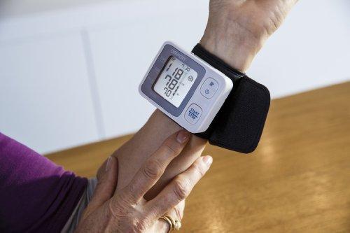 Omron RS3 Elektronisches Blutdruckmessgerät für das Handgelenk - 2