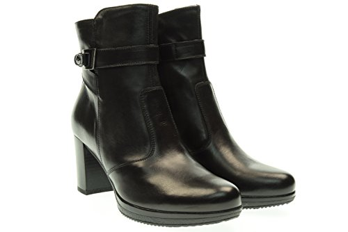 black-gardens-woman-boots-with-heel-a616410d-100-37-nero
