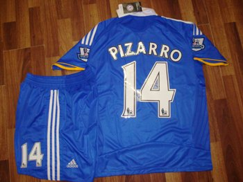 08-09 CHELSEA FC HOME JERSEY PIZARRO + FREE SHORT (SIZE M)