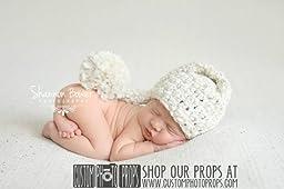 Antique White Chunky Newborn Elf Hat Photography Prop, Baby Props, Newborn Prop, Photo Props, Handmade Hat, Pom Pom Hat, Ivory Yarn