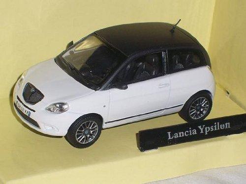 lancia-ypsilon-y-2009-weiss-schwarzes-dach-1-43-cararama-modellauto-modell-auto