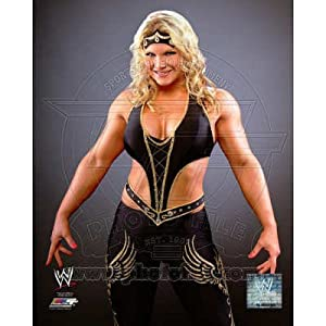 (16x20) World Wrestling Entertainment - Beth Phoenix 2011 Posed Glossy Photograph