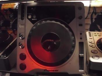 Máy DJ Pioneer CDJ-800MK2 Professional CD/ MP3 Turntable Thương hiệu đẳng cấp ngh