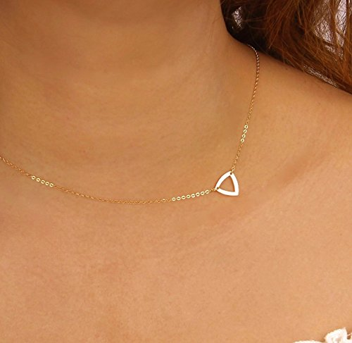 small-sideways-triangle-outline-choker-necklace-triangle-pendant-necklace-with-delicate-thin-chain-9