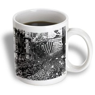 Florene New York - Image Of 1926 Photograph Of Parade In Nyc - 11Oz Mug (Mug_171575_1)